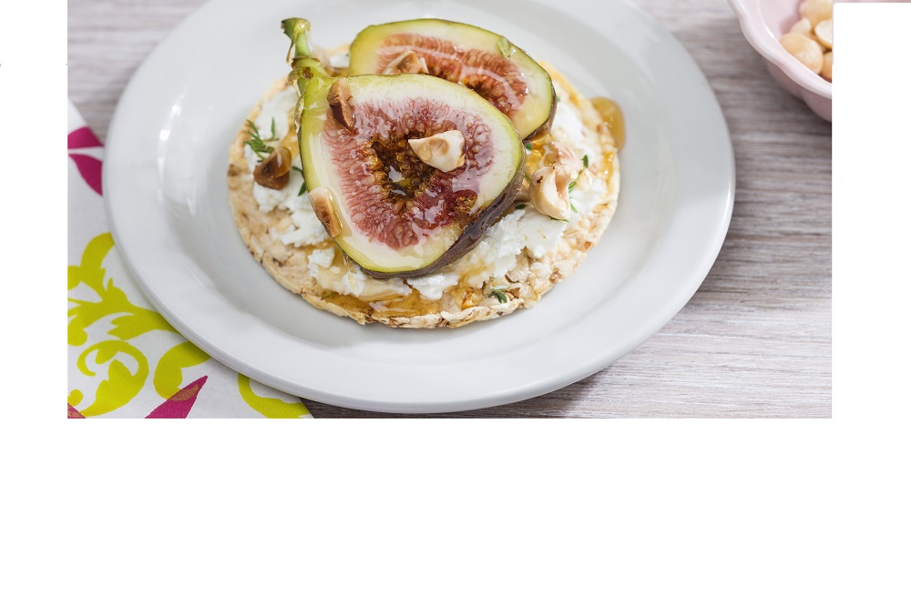 CORN THINS with goat's cheese, fig, honey & hazelnuts