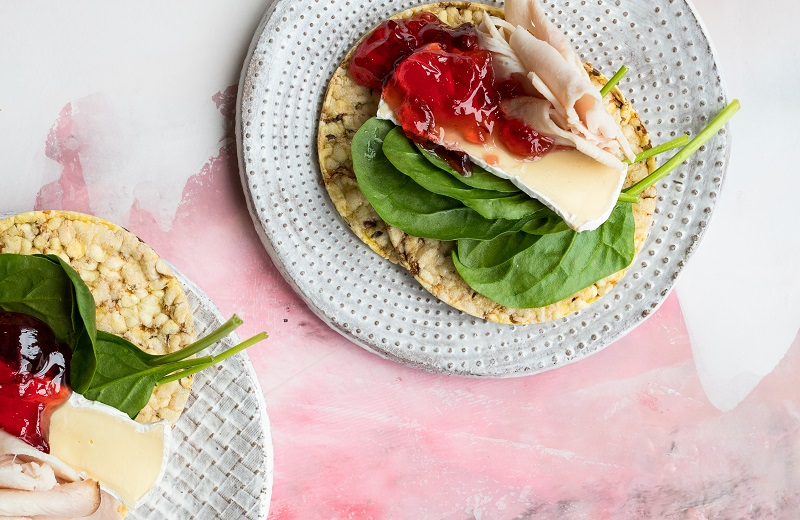 Turkey, Brie, Baby Spinach & Redcurrant Jelly on CORN THINS slices for lunch