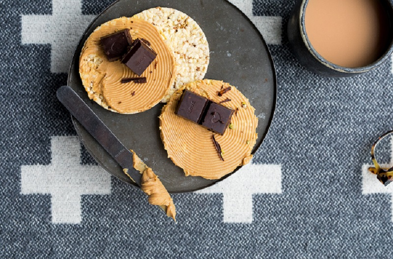 Nut butter and dark chocolate on CORN THINS slices