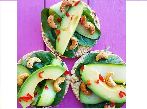 Avocado, Cashews, Zucchini & Spinach leaves on CORN THINS