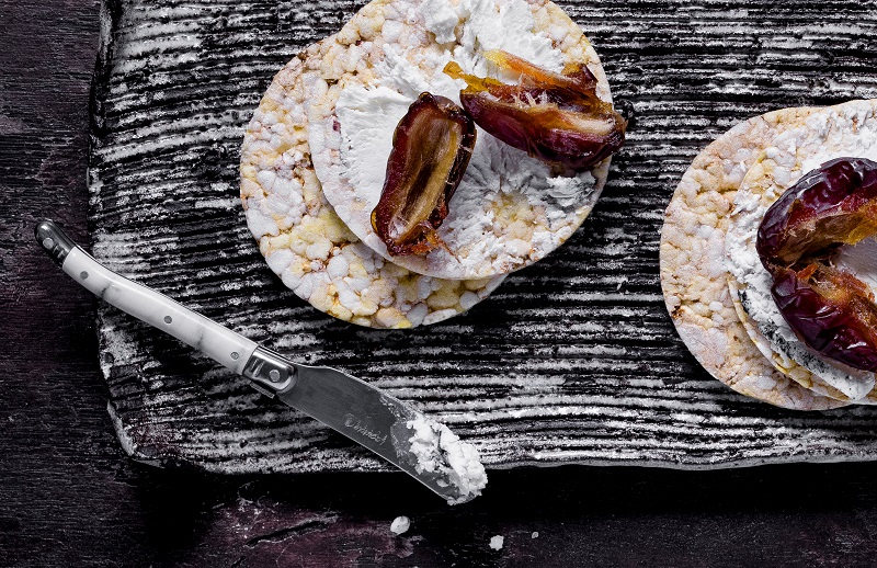 Goats Cheese & Medjool Date on CORN THINS slices