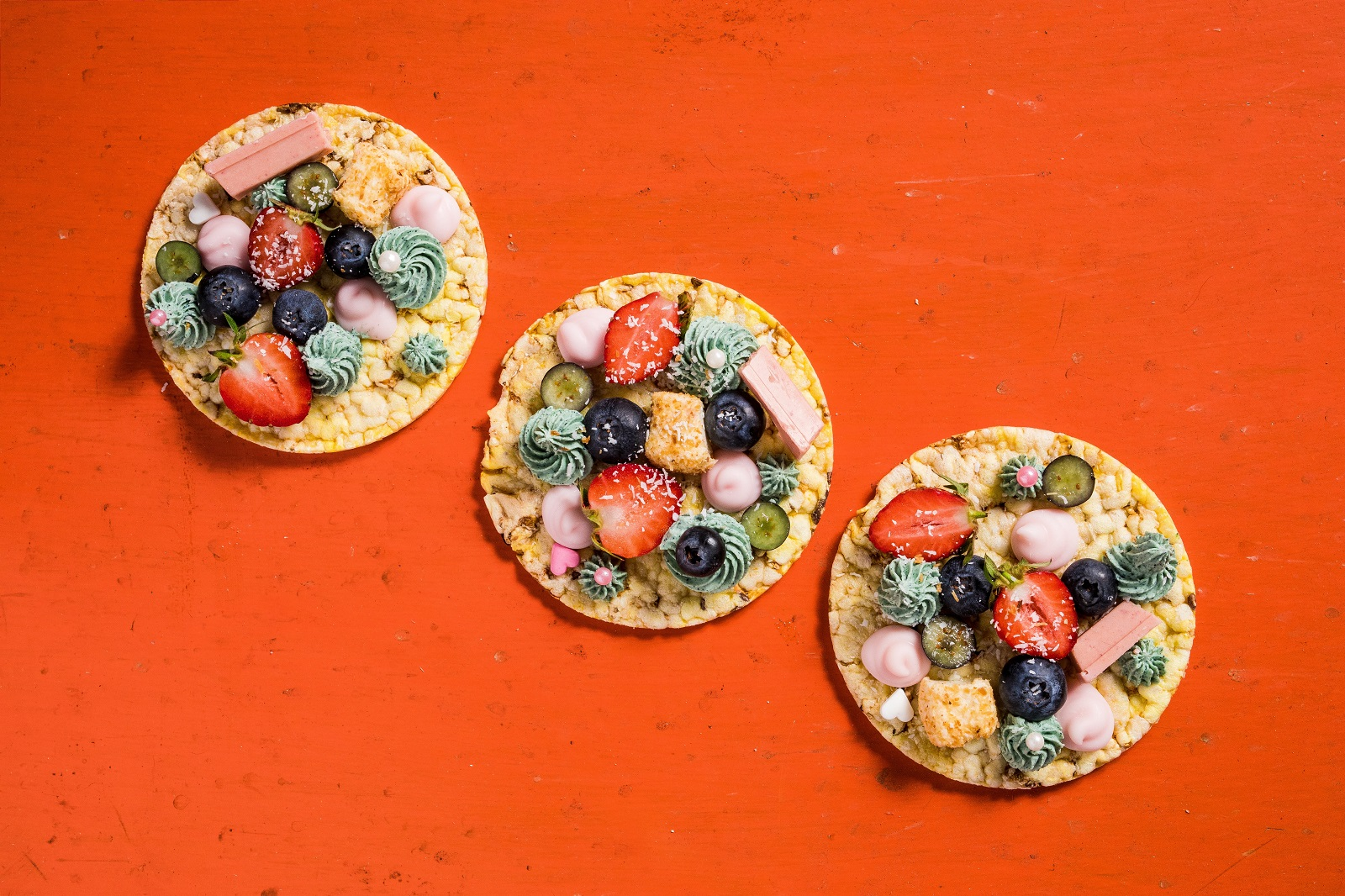 CORN THINS slices with Creamed Cheese, Strawberries, Blueberries & Yoghurt drops