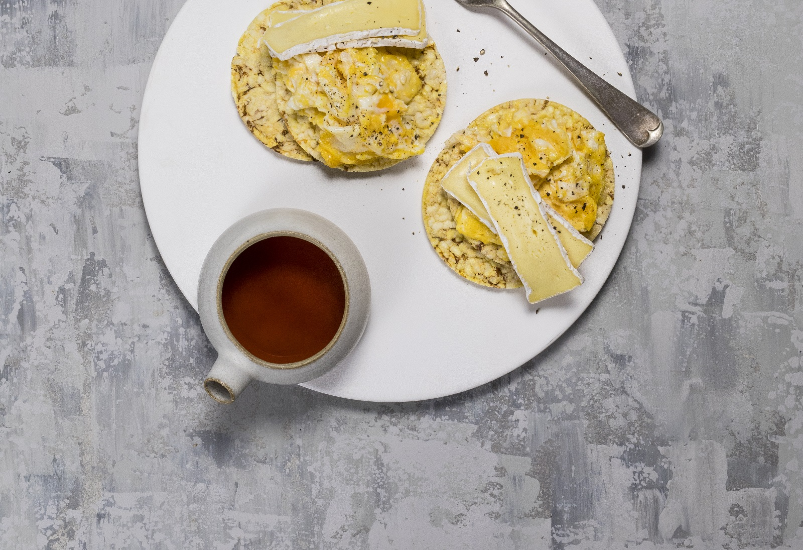 Scrambled Egg & brie on CORN THINS slices