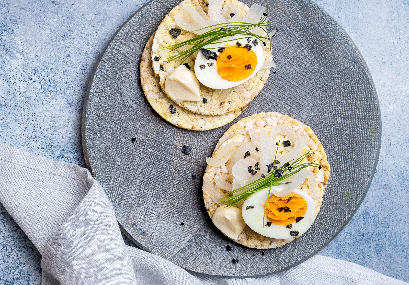 Boiled Egg, Pickled Onion, Mayonnaise & Chives on CORN THINS slices