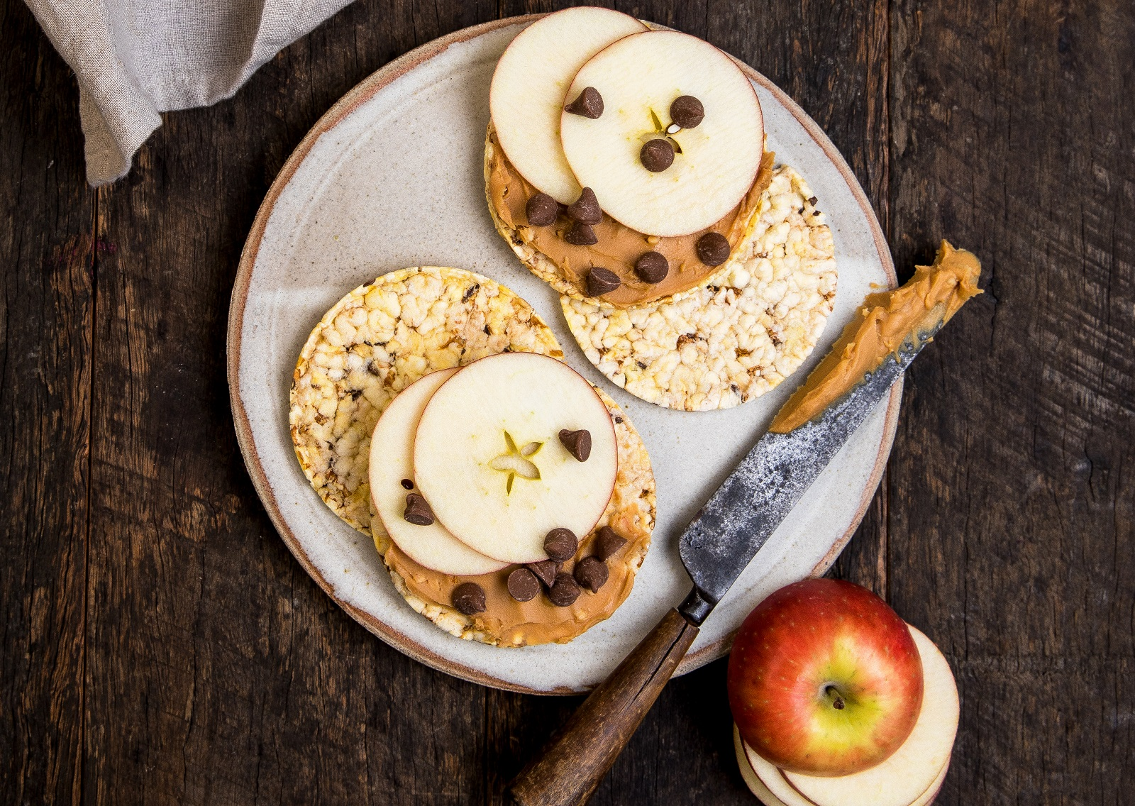 Peanut Butter, Apple & Choc Chips on CORN THINS slices