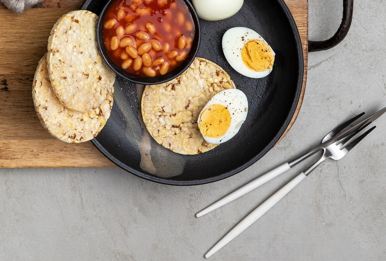CORN THINS Slices with Beans & Egg for breakfast