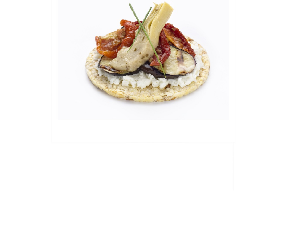 Lunch idea for CORN THINS of eggplant, artichoke & tomato