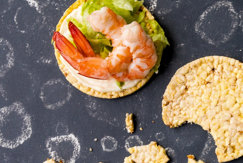 May, prawns & lettuce for lunch on CORN THINS. #cornthins, #nongmo, #glutenfree