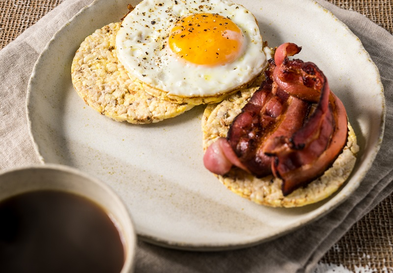Bacon & Eggs on CORN THINS slices for Breakfast