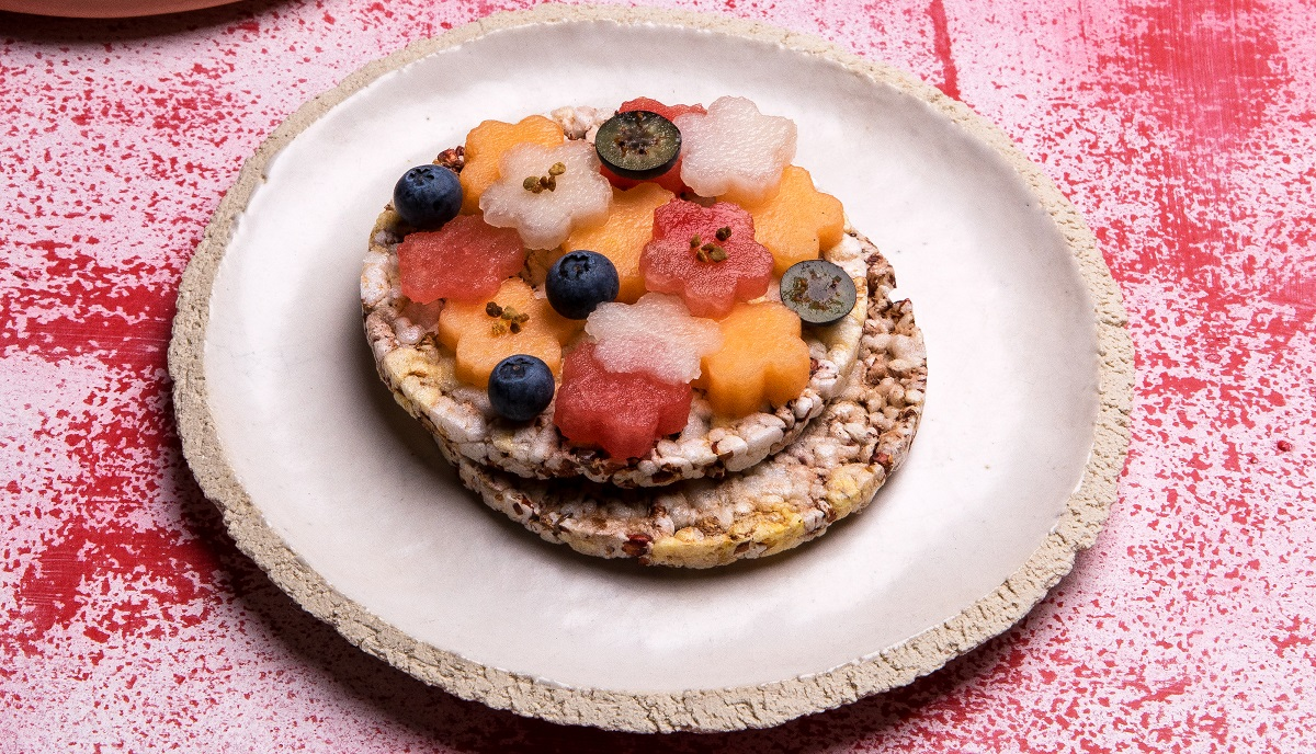 Melon & Blueberry on Whole Grain Thins Sorghum slices (or Corn Thins)