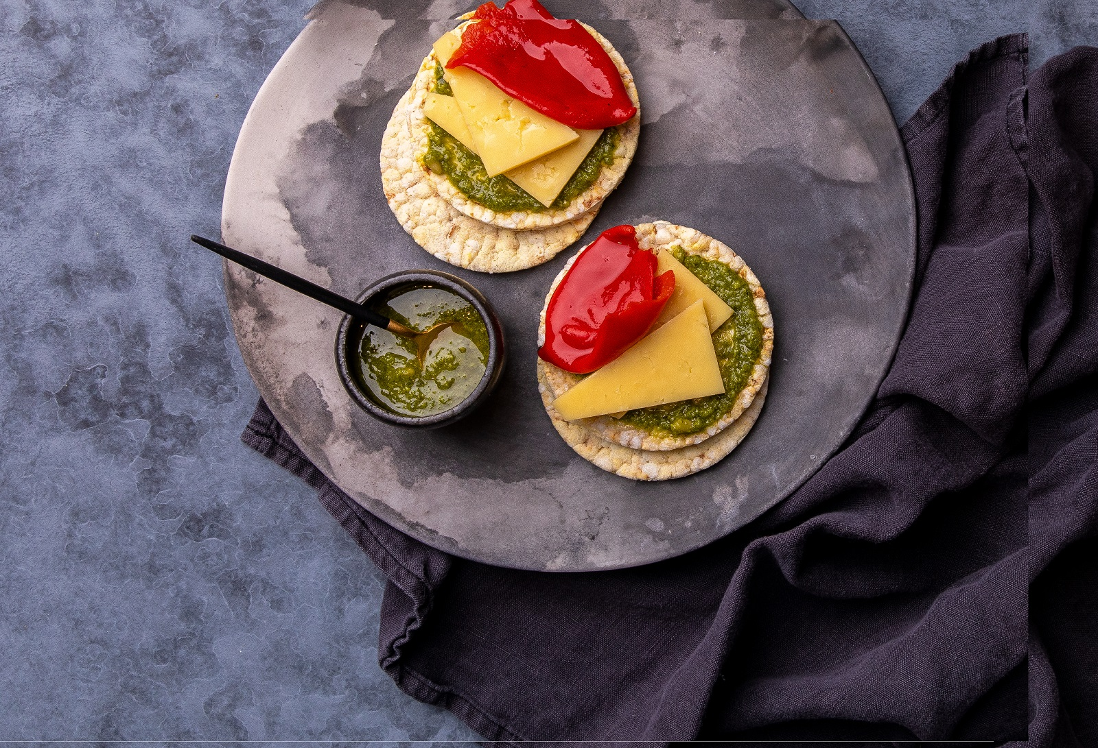 Piquillo Peppers, Smoked Cheddar & Basil on CORN THINS slices