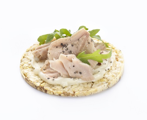 Tuna, Mayonnaise & pepper on CORN THINS
